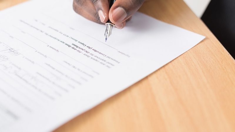The 9 Most Important Freelance Contract Clauses that Keep You Protected and Paid on Time
